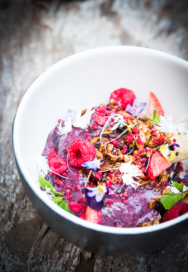 dining_spots_in_bali_buro_sisterfields_acai_berry_bowl_a